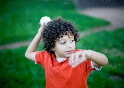 գնդակ նետելը